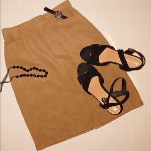 Mid length matte velvet brown skirt.Has Pockets!!